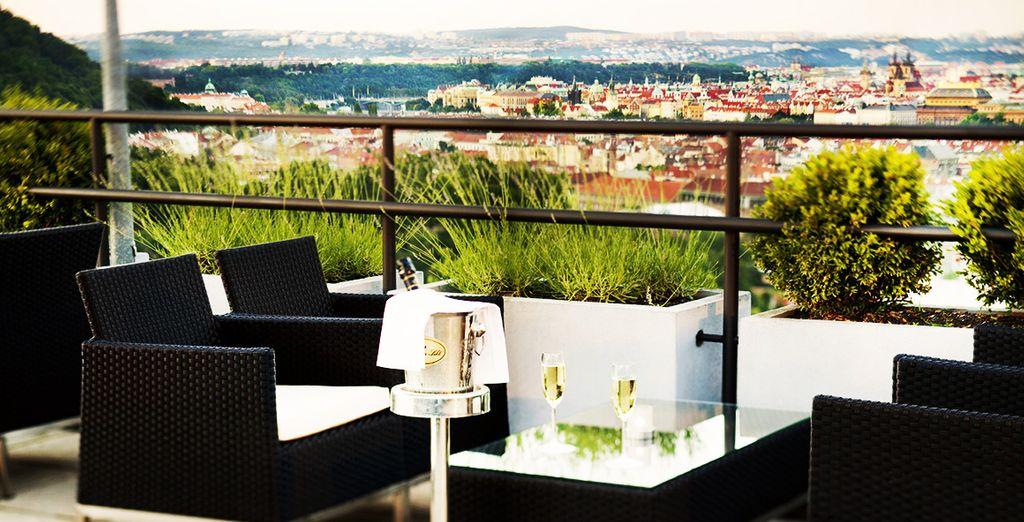 offrant une vue sublime sur Prague.