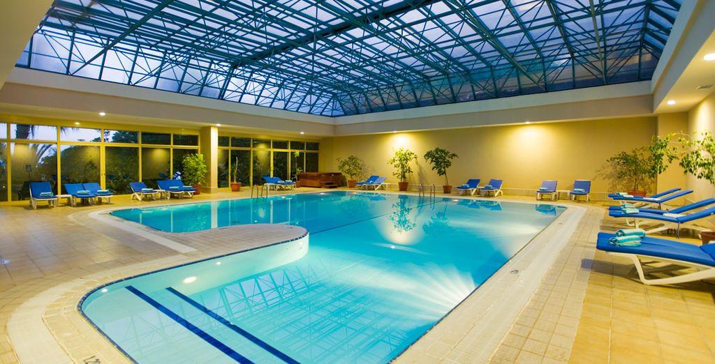 mais aussi piscine intérieure...