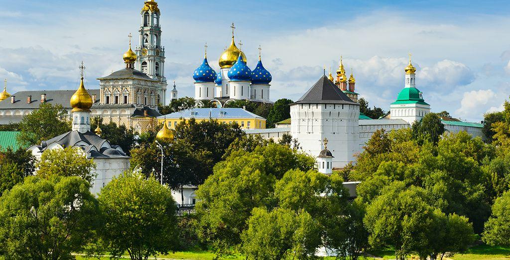 A 75 km de Moscou, vous découvrirez aussi le berceau de la spiritualité russe : Sergueï Possad