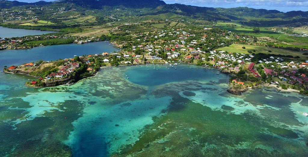 Optez pour la location de voiture en supplément et parcourez l'île...
