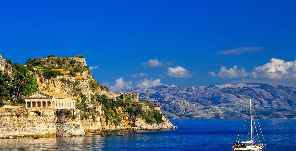 Baladez-vous dans les environs et partez à la découverte de la Grèce