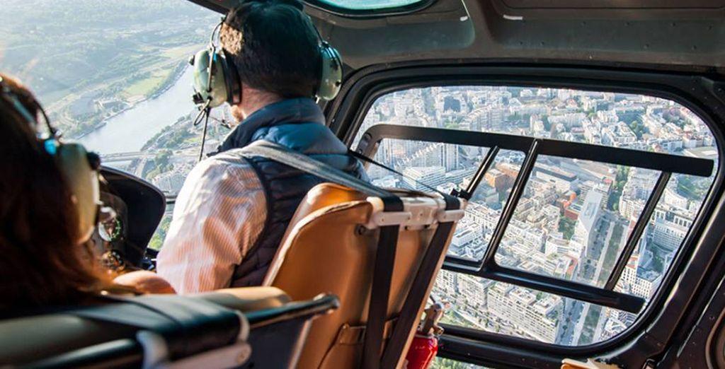 ... au départ de l'héliport de Paris