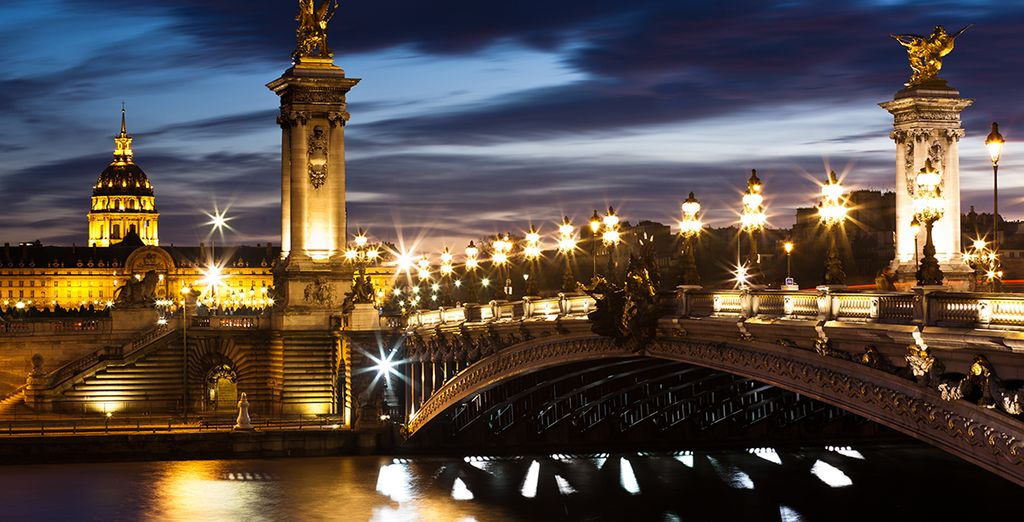 Partez à la découverte de la ville des lumières...