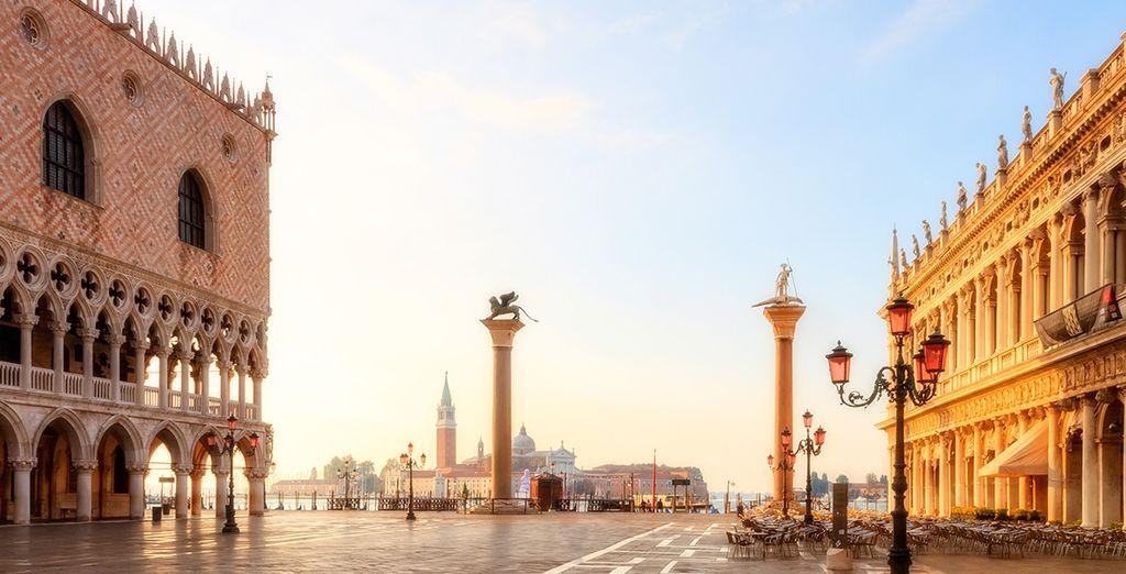 Partez à la découverte de la célèbre Place Saint-Marc