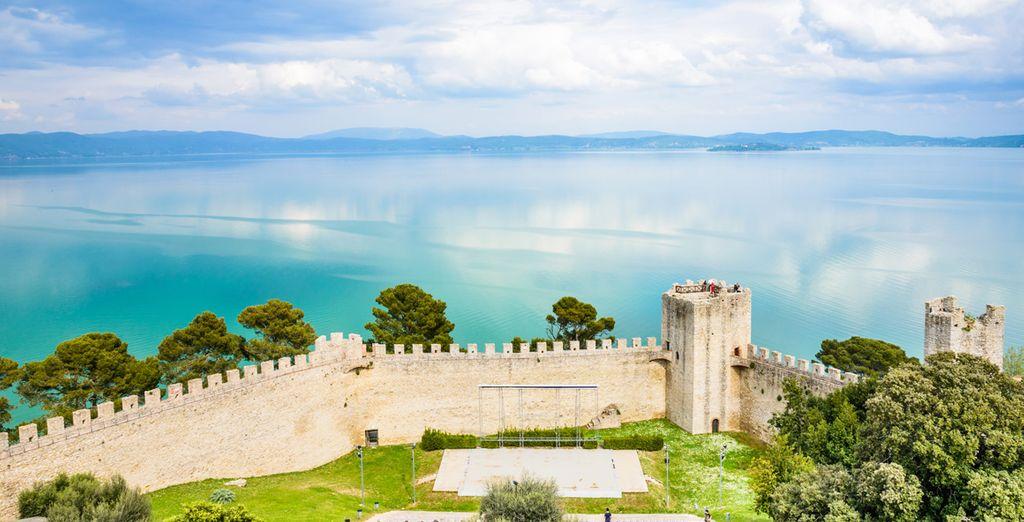 Partez à la découverte des villes environnantes comme le Lago Trasimeno