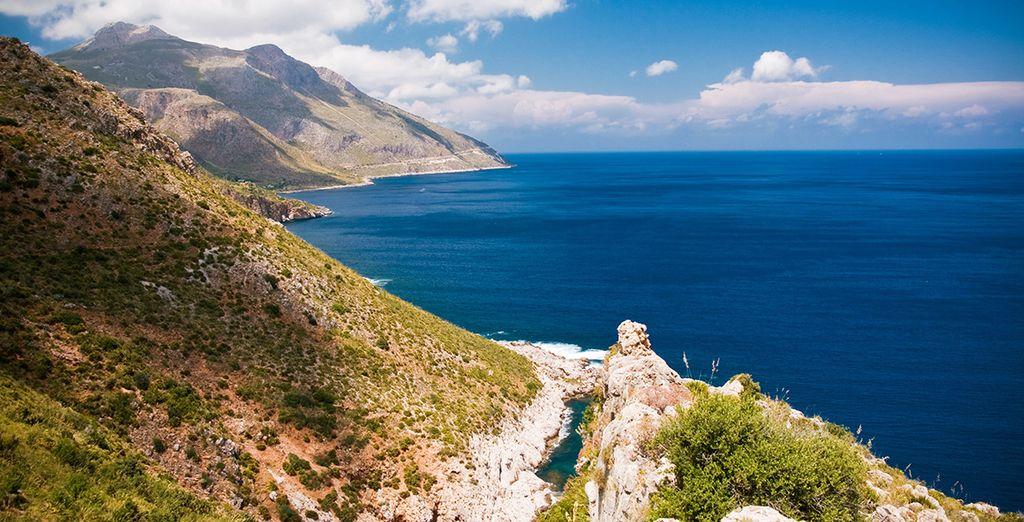 Découvrez la Sicile, entre paysages montagneux et criques paradisiaques... On vous emmène ?