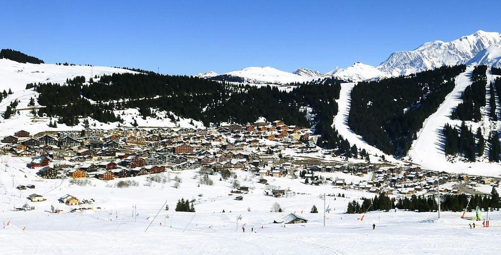 Profitez du domaine pour dévaler les pistes de ski...
