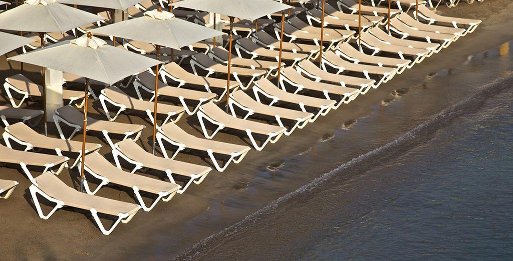 Foulez le sable de la plage de l'hôtel