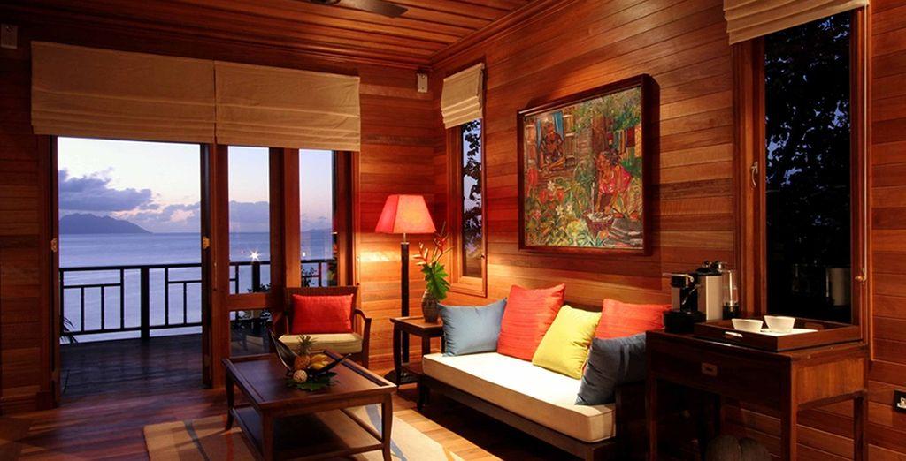 Posez vos valises en Hillside Villa nichée dans la forêt sur les hauteurs...