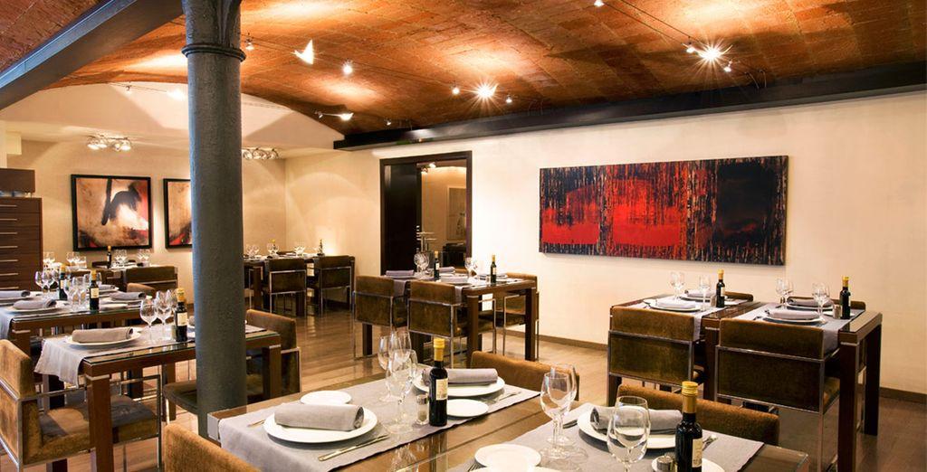 Réservez votre dîner dans l'ambiance cosy du restaurant