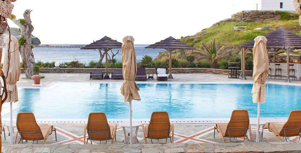 Bienvenue à l'hôtel Porto Kea Suites ! Un haut lieu du farniente...