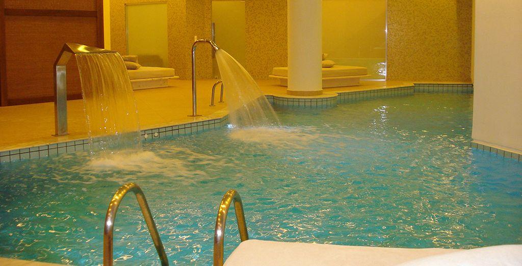 Un instant bien-être à la piscine intérieure