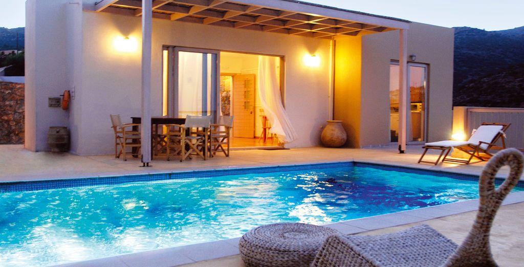 Vous poserez vos valises en Villa 2 chambres avec piscine privée...