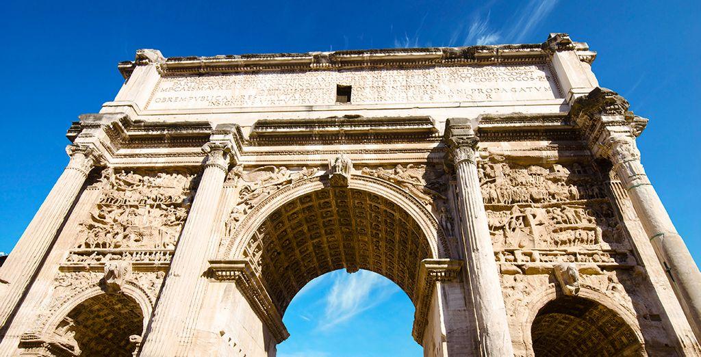 De ses monuments imposants ...