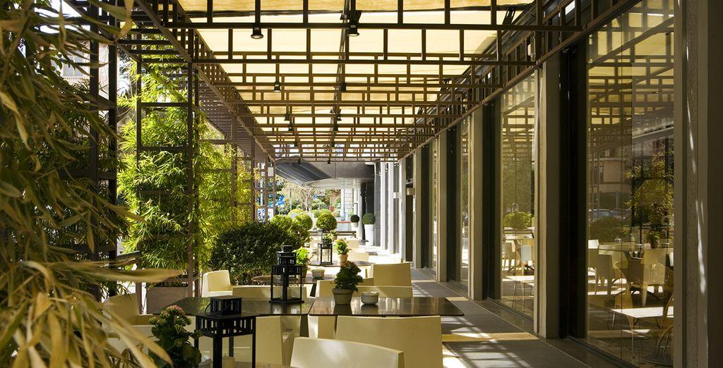 Dans un hôtel 4* design et contemporain.