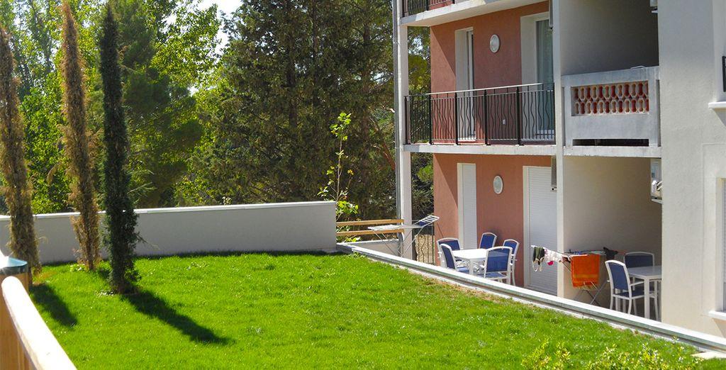 Profitez du soleil sur le balcon ou la terrasse