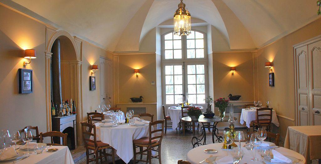 Vous pourrez aussi savourer une cuisine colorée et subtile au restaurant de l'hôtel