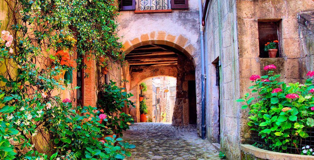 Flâner à travers la campagne italienne à la recherche de villages de charme
