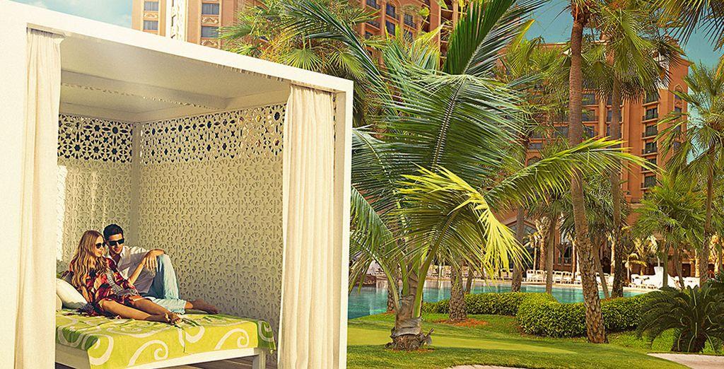 Ainsi, vous profiterez de l'accès à l'Impérial Club Beach Cabana pour de délicieux instants de repos