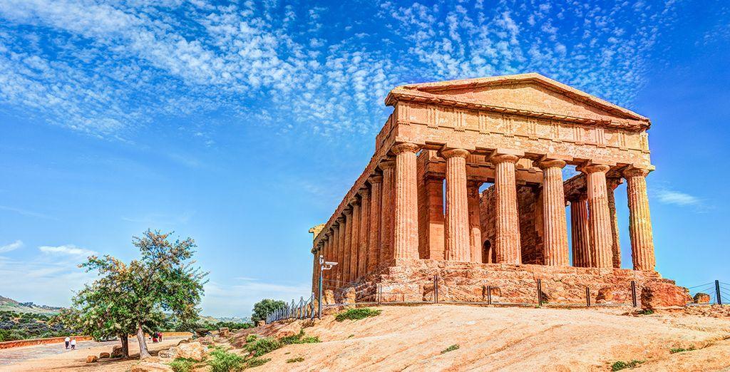 Puis partez à la découverte des sites antiques...