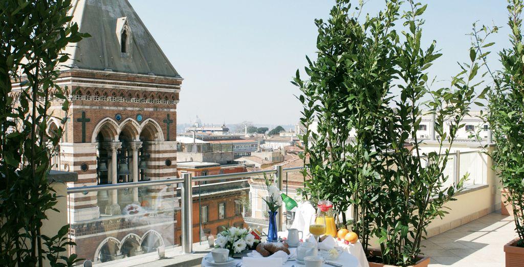 Prenez le premier repas de la journée en terrasse