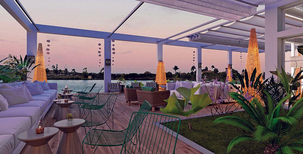 Avant d'assister au coucher du soleil depuis la terrasse du Rei Del Mediterrani