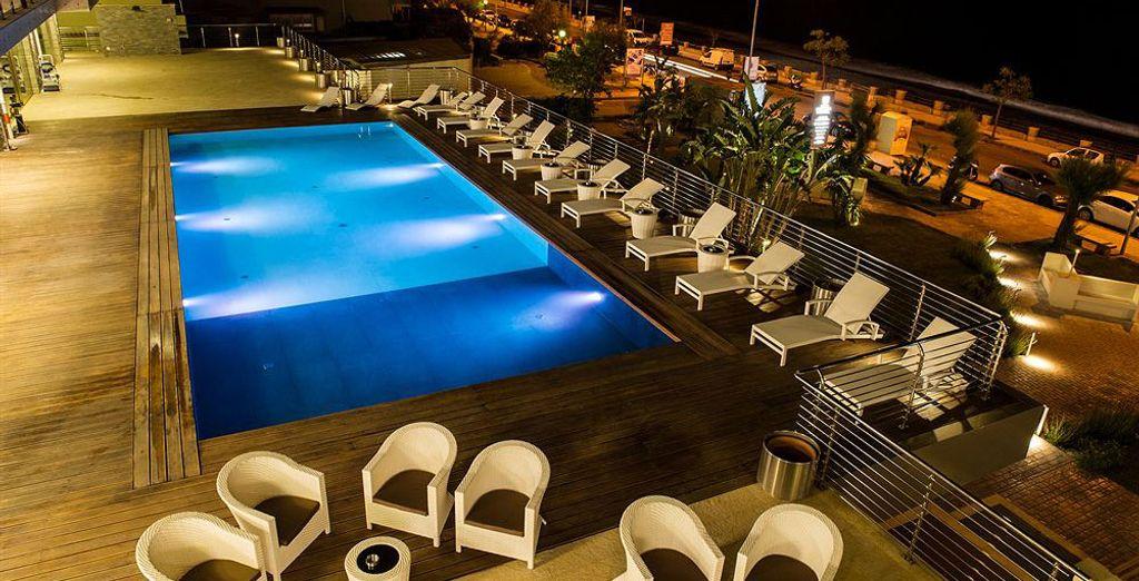 Une superbe piscine vous attend pour vous détendre totalement
