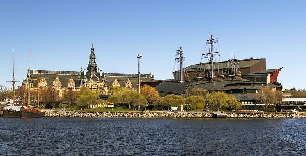 Puis partez à la découverte des incontournables de la ville comme le Vasa Museum,