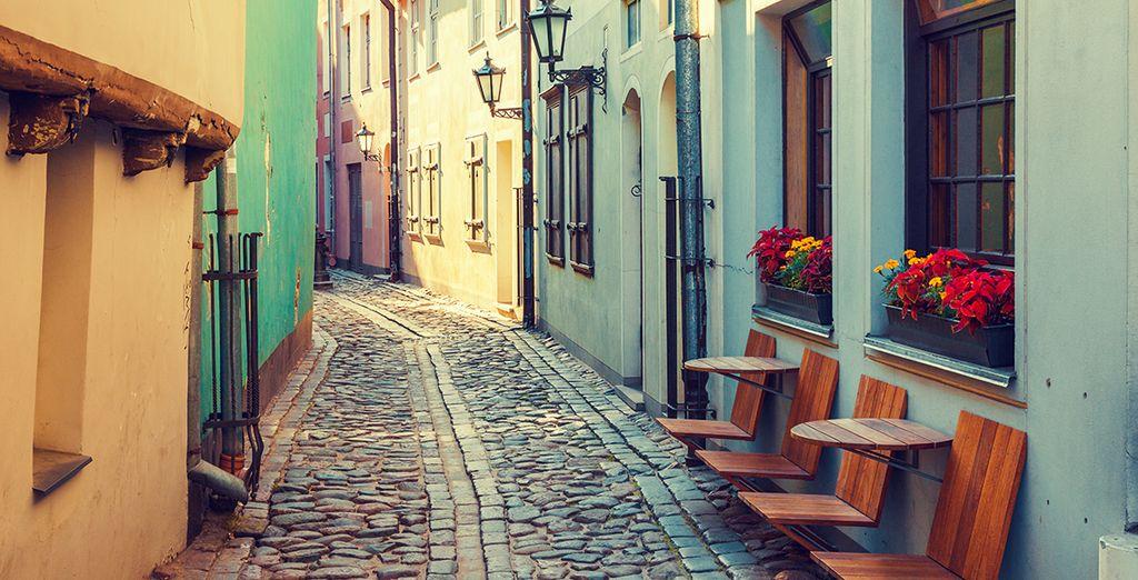 Avant d'arpenter les superbes ruelles colorées de la vieille ville