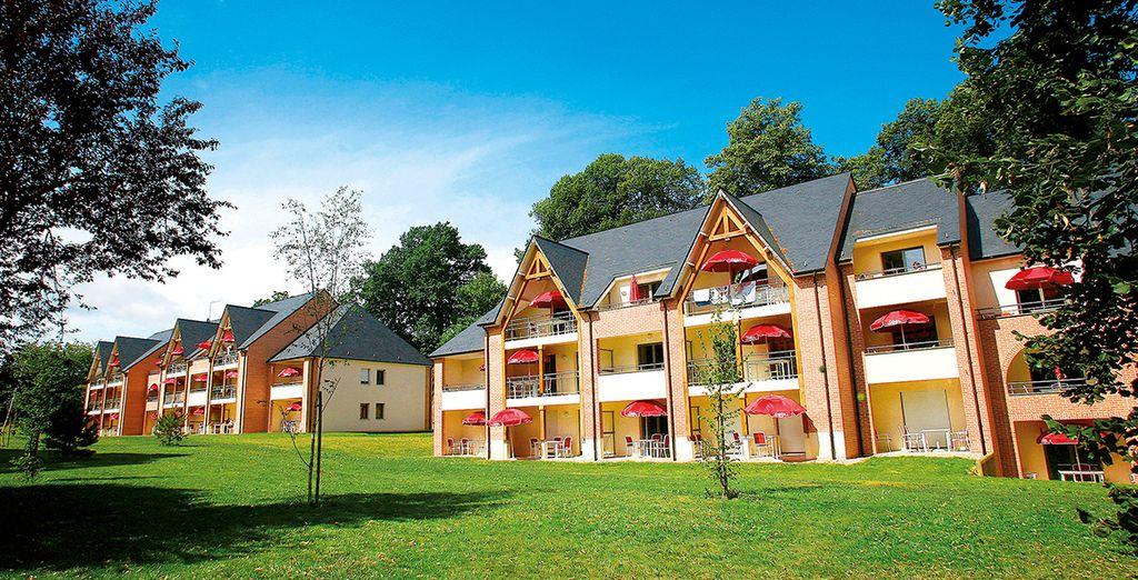 Prenez la direction des appartements, répartis dans un joli parc boisé de 3 hectares