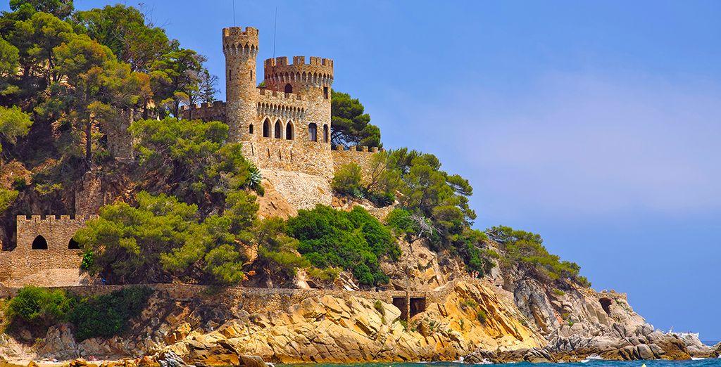 Et son fameux château de Sant Joan... Bonnes vacances !