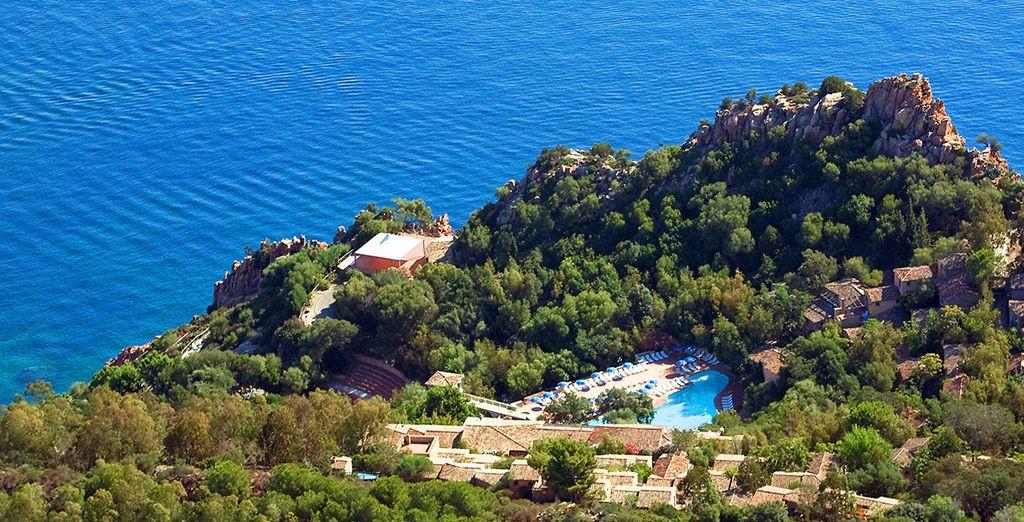 Niché dans un écrin de verdure - Hôtel Arbatax Borgo Cala Moresca 4* Arbatax
