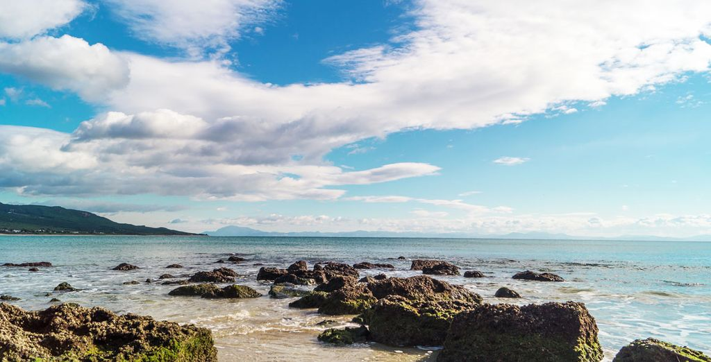 Contemplez la beauté des plages qui font la renommée de cette côte