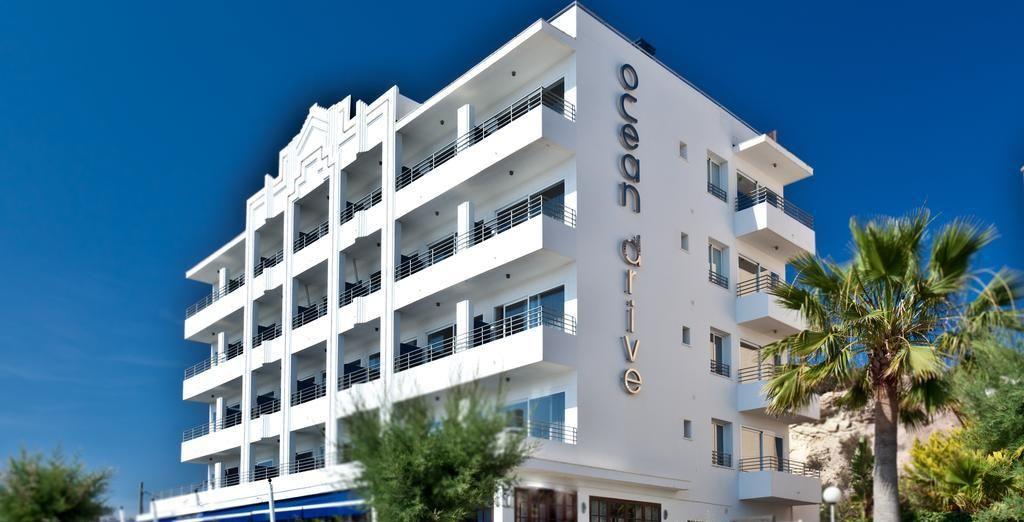 Poussez les portes d'un endroit branché d'Ibiza
