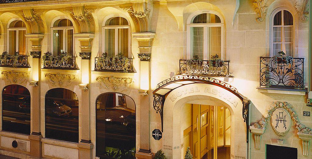 Poussez les portes de l'Astra Hôtel