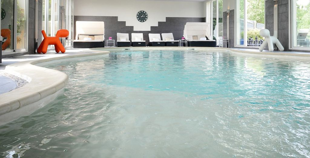La piscine intérieure du Spa fera votre plus grand bonheur