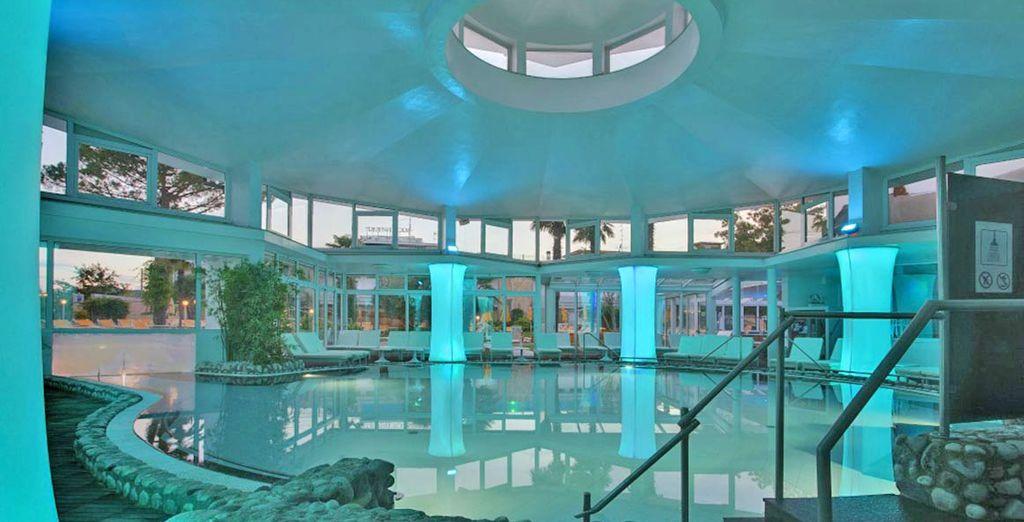 Détendez-vous aussi dans la piscine intérieure