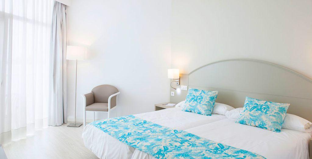 Séjournez dans la minimaliste et confortable chambre Standard Vue Mer