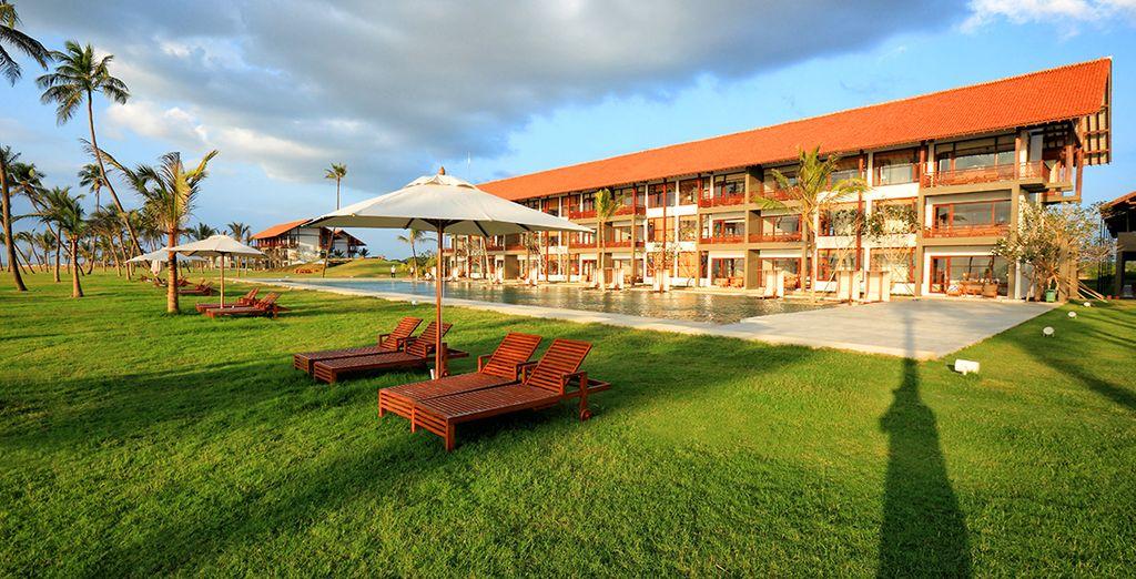 Bienvenue à l'hôtel Anantaya Resort & Spa, un établissement 4* qui surplombe l'océan