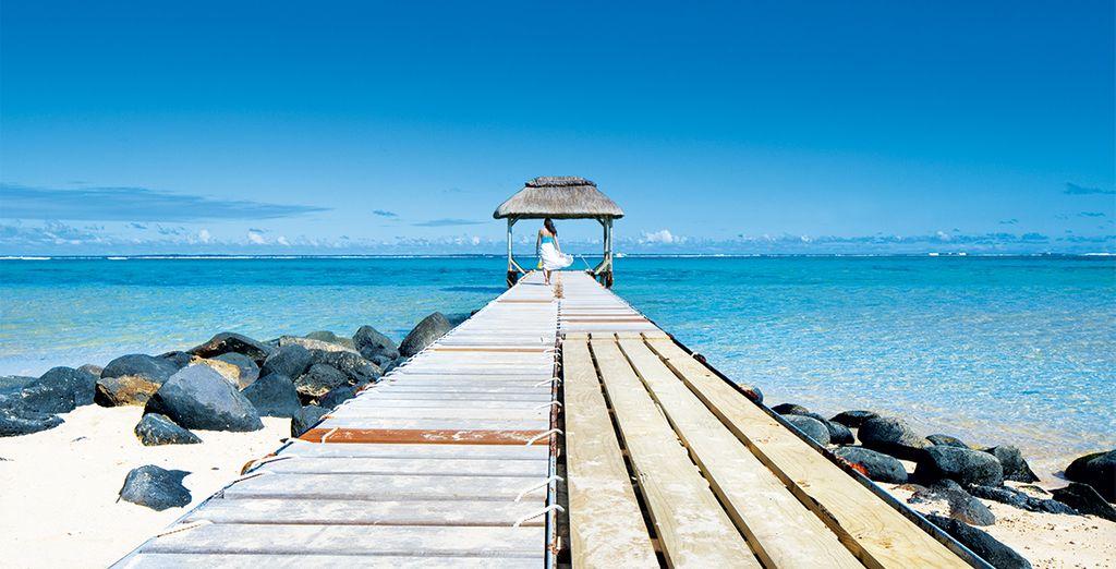 Suivez-nous à l'Outrigger Mauritius Beach Resort !
