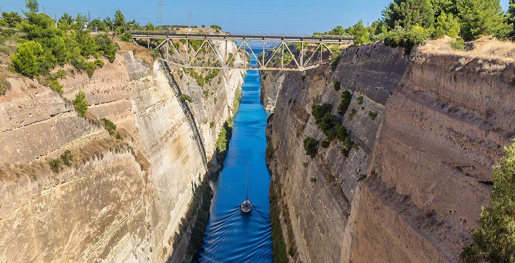 Et partez explorer le Canal de Corinthe
