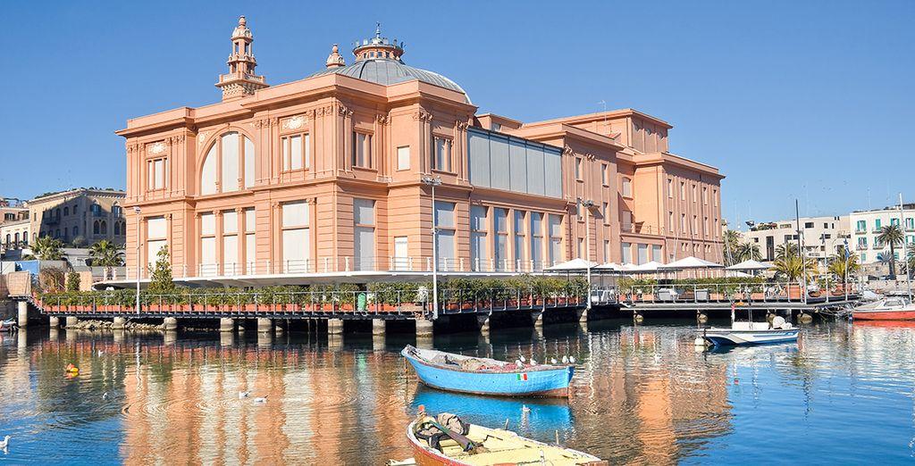Profitez-en pour découvrir la ravissante Bari...