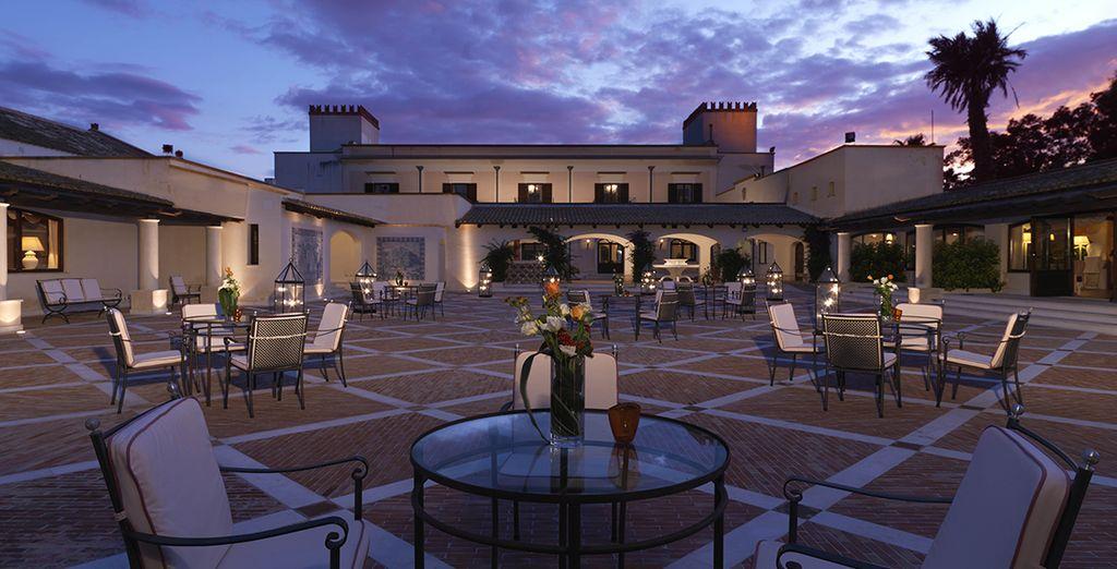 Et, le soir venu, choisissez parmi les différentes installations de l'hôtel...