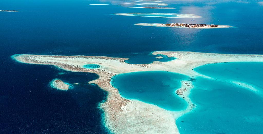 Vue aérienne des paysages magnifiques des Maldives