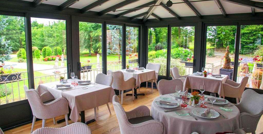 Restaurant au cœur de l'hôtel du Colombier ou château, près Saint-Malo en Bretagne