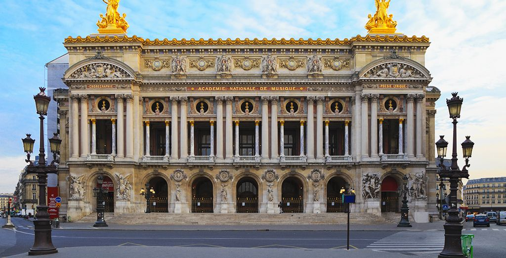 Entre l'Opéra Garnier...