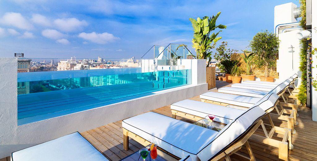 Hôtel haut de gamme à Madrid avec piscine et espace détente