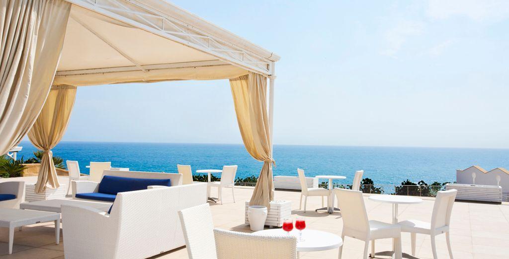 Hôtel de luxe 5 étoiles en Sicile avec vue sur la méditerranée et espace détente