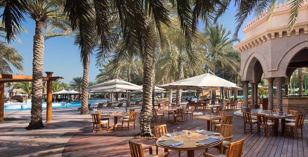 Hôtel Emirates Palace Abu Dhabi 5* avec piscine extérieure et espace détente