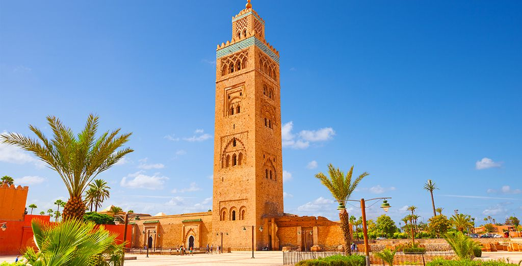 Découvrez l'imposante mosquée Koutoubia
